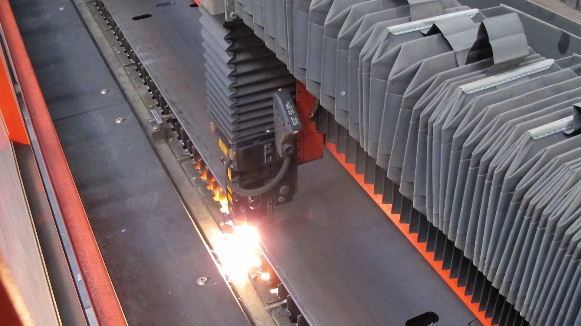 Laserskæring af jernplade